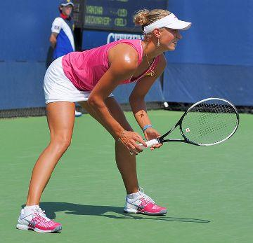 Yanina Wickmayer photo in hot sunny US open match